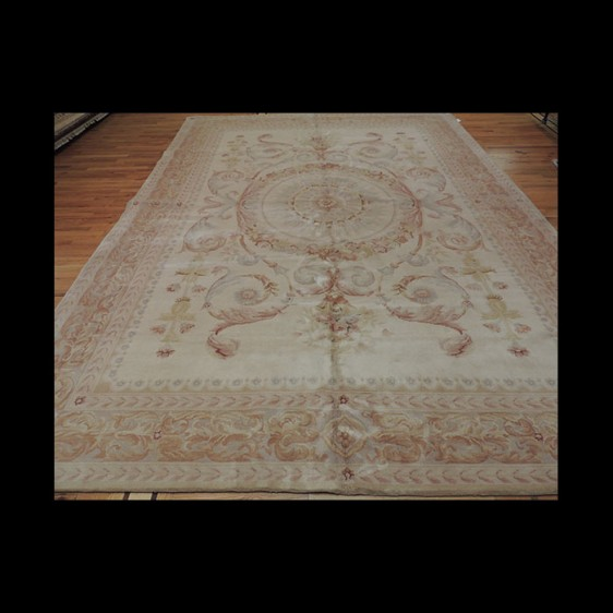 Lovely Soft French Savonnerie Oriental Area Rug 10 x 14